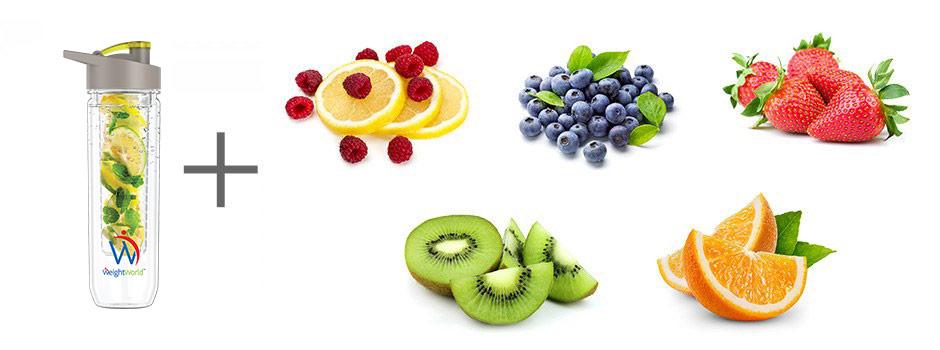 Fruit Infuser Flasche und fünf verschiedene Obstsorten auf weißem Hintergrund
