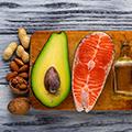 Fisch, Nüsse, Pflanzenöle zum Abnehmen