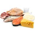 Fleisch, Fisch, Käse und Milch auf weißem Hintergrund
