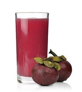 Mangostan-Frucht wird auch zu Saft verarbeitet