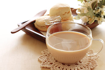 Tee in Teetasse